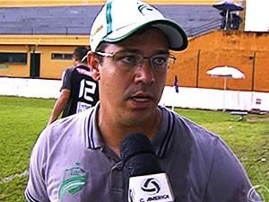 Após derrota, Dado Cavalcanti diz que Luverdense jogou mal (Foto: Reprodução/TVCA)