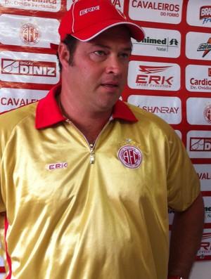 Roberto Fernandes projeta oito vitórias em 11 jogos (Foto: Matheus Magalhães/Globoesporte.com)