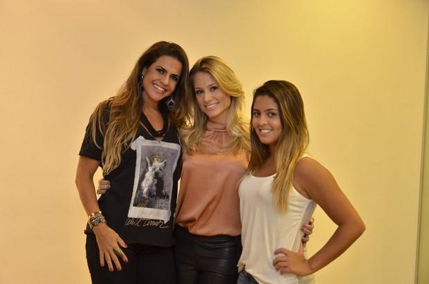 Giselle Prattes (ao centro) com Danielle e Dani Favatto (Foto: Roberto Teixeira/EGO)
