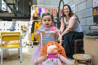 Mariana Belém e a filha Laura posam para o EGO (Foto: Alessandra Gerzoschkowitz / EGO)