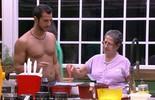 Matheus reclama de 'peitinho caído' e Geralda oferece solução: 'Sutiã com arame'