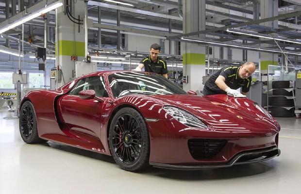 Porsche encerra produção do 918 Spyder
