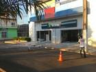 Criminosos explodem caixas do banco Sicoob em Buritis
