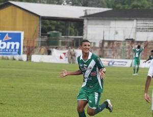 Lucas marcou o único gol da Tuna Luso no jogo (Foto:  Paulo Akira)