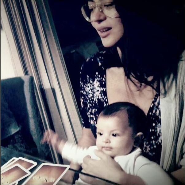 """Carol Castro e a filha Nina: """"Parceira de todas as horas"""" (Foto: Reprodução Instagram)"""