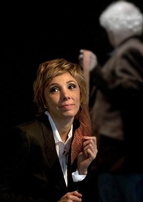 Rita Elmôr em cena do monólogo 'Pai' (Foto: Divulgação)