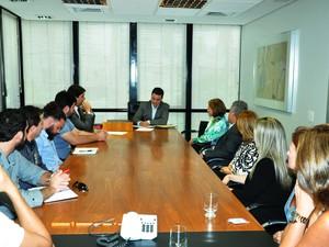 Reunião entre representantes da Uemg e secretário (Foto: Governo de Minas/Divulgação)