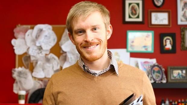 Alec Falkenham, o criador do creme que pode remover tatuagens