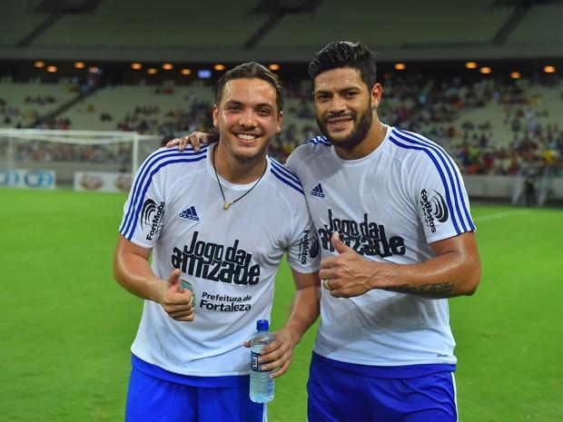 Wesley Safadão e Hulk em jogo de futebol em Fortaleza, no Ceará (Foto: Divulgação)