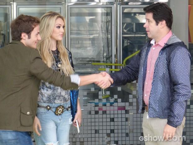 Danilo chega se achando na Marra Brasil, até descobrir que será ascensorista (Foto: Geração Brasil/TV Globo)