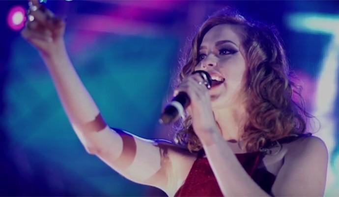 Sophia arrasa no clipe e pode mostrar seu talento como cantora e atriz (Foto: Reprodução)