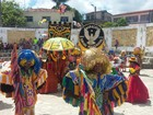 Maracatus de baque solto encantam turistas durante encontro em Olinda