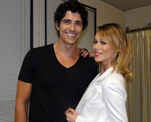Reynaldo Gianecchini e Mariana Ximenes no camarim (Foto: Domingão do Faustão/TV Globo)
