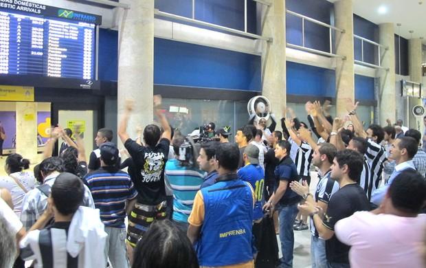 Torcida Desembarque Botafogo (Foto: Thales soares)