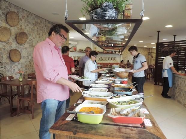 903efb0b55 Restaurante tem opções para vegetarianos e comida orgânica (Foto  Natália  Clementin   G1)