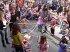 Festa junina na praça tem folia de reis e comidas típicas em Poços, MG