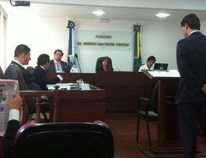 Goytacaz é punido pelo TJD-RJ após escalação irregular do zagueiro Talis (Foto: Chandy Teixeira)