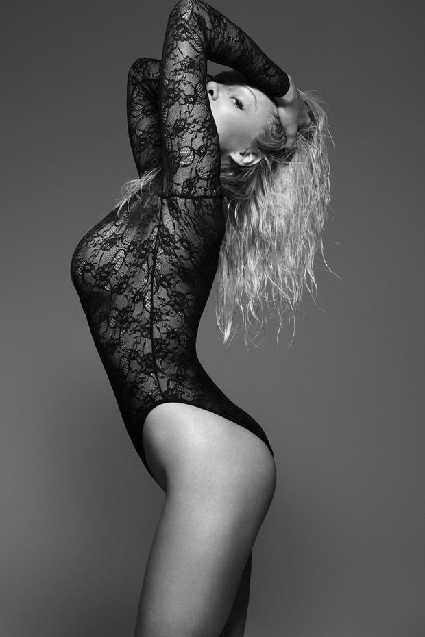Pamela Anderson na campanha Icons da Coco de Mer (Foto: Rankin for The Full Service/ Divulgação)