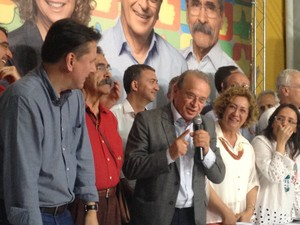 Tarso Genro (PT) no diretório do partido em Porto Alegre em coletiva (Foto: Rafaella Fraga/G1)