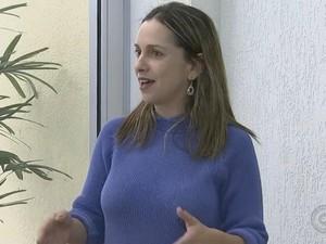 Para a professora Paula Granato jovens querem participar efetivamente da política (Foto: Reprodução/ TV TEM)