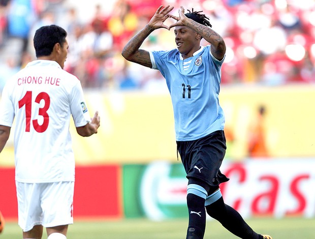 Abel Hernandez gol Uruguai jogo Taiti (Foto: Reuters)