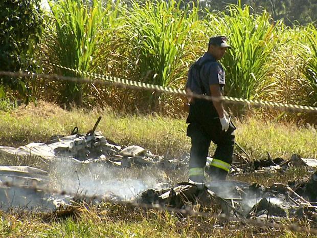Colisão entre dois aviões deixa mortos em Santa Bárbara D'Oeste (Foto: Reprodução EPTV)