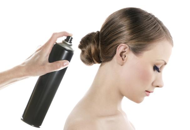 Descubra qual é o xampu seco ideal pro seu tipo de cabelo! (Foto: Thinkstock)