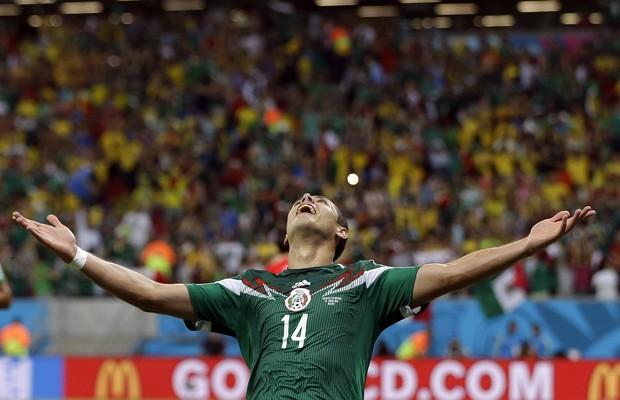 Chicharito comemora terceiro gol do México contra a Croácia (Foto: Ricardo Mazalan/AP)