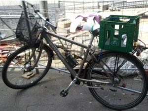 Primeiras entregas eram feitas de bicicleta ou de trem (Foto: Divulgação)