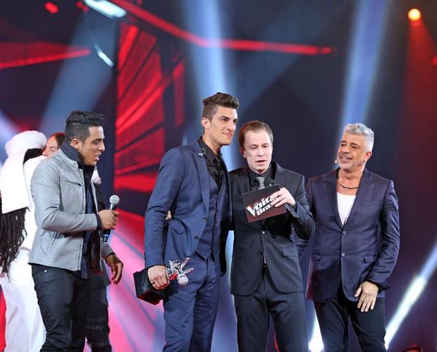 Tiago não segura as lágrimas na Grande Final do The Voice (Foto: Isabella Pinheiro/ Gshow)