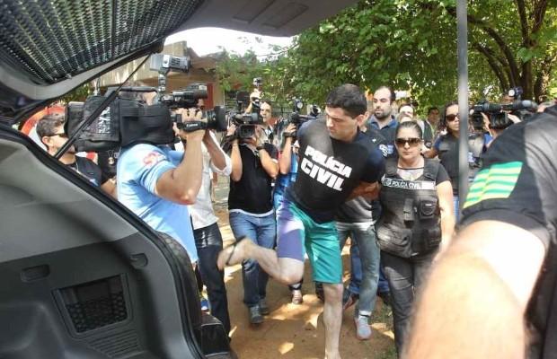 Tiago Henrique, suposto serial killer, agrediu fotógrafo do DM em Goiânia, Goiás (Foto: Mantovani Fernandes/O Popular)