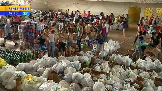 Moradores de Rolante recebem três toneladas de roupas e cestas básicas