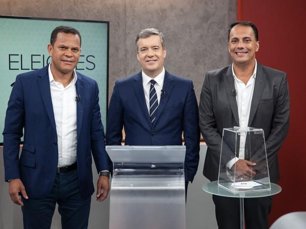 Donisete Braga (PT) e Atila Jacomussi (PSB), candidatos a prefeito de Mauá (SP), durante debate no estúdio do G1 em São Paulo. A mediação é  feita pelo jornalista  Roberto Kovalick, da TV Globo -  27/10/2016 (Foto: Marcelo Brandt/G1)