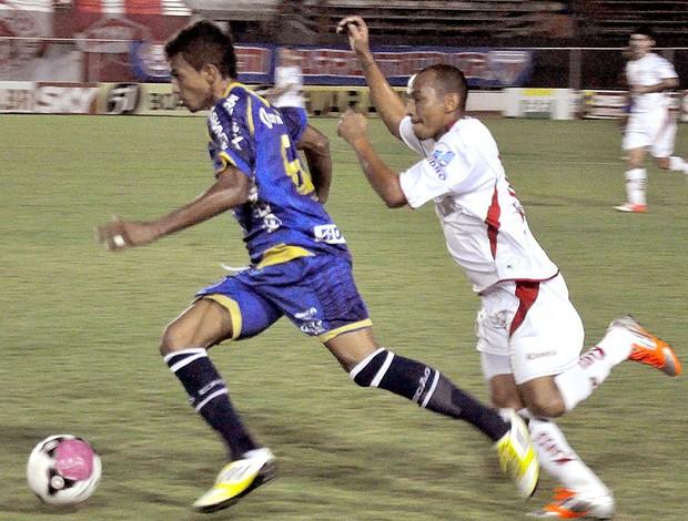 lance de jogo entre América-RN e Boa Esporte (Foto: Ag. Estado)