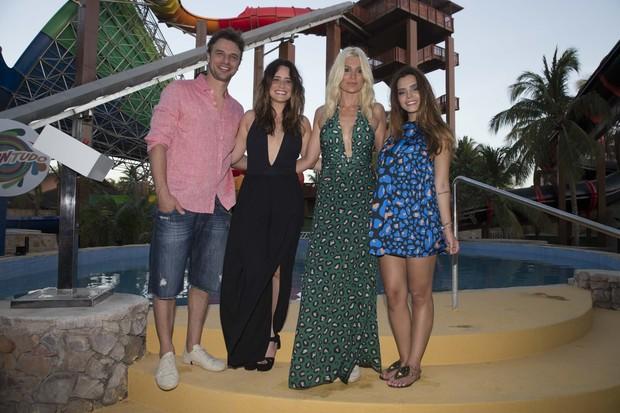 Cassio Reis, Fernanda Vasconcelos, Flavia Alessandra e Giovanna Lancellotti (Foto: Felipe Panfili / Divulgação)