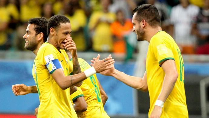renato augusto neymar brasil x peru eliminatórias (Foto: Marlon Costa/Futura Press)