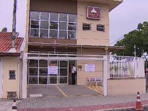 Prefeitura de São José faz acordo para retomada de exames em laboratório (Foto: Reprodução/ TV Vanguarda)