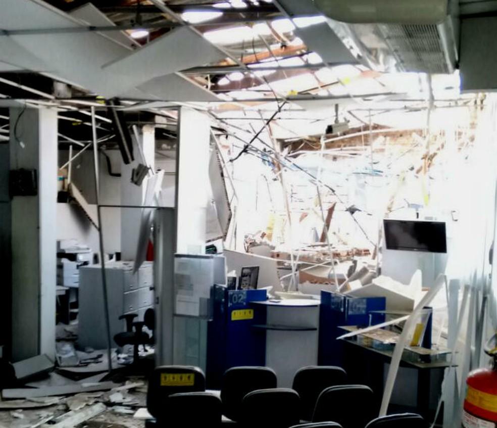 Agência de banco ficou destruída após ação de bandidos em Boa Nova (Foto: Divulgação/ Polícia Militar)