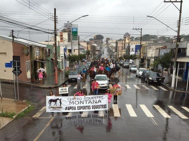 Grupo protestou em Assis contra decisão do STF (Foto: Arquivo Pessoal)