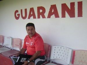 Técnico do Guarani-MG, Gian Rodrigues (Foto: Valquíria Souza/TV Integração)