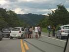 Duas pessoas ficam feridas em acidente na rodovia Rio-Santos