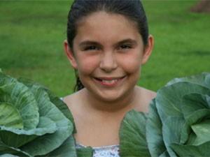 Katie coordena hortas para doação de alimentos nos EUA (Foto: Divulgação/Katie's Krops )