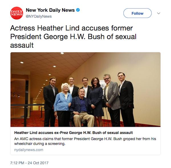 A foto durante a qual a atriz Heather Lind alega ter sido assediada por George H.W. Bush (Foto: Twitter)