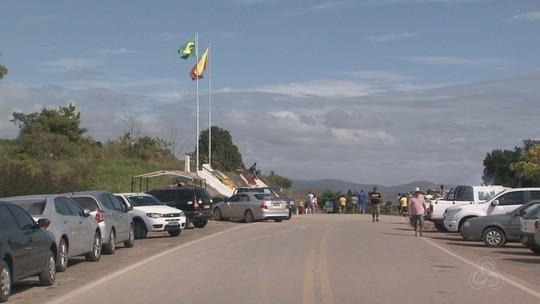 Fronteira com o Brasil segue fechada e venezuelanos dizem ter prejuízos