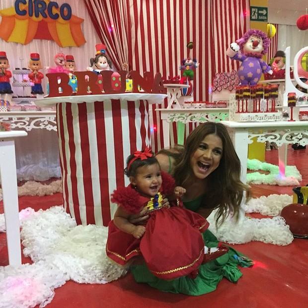 Nívea Stelmann com a filha, Bruna (Foto: Reprodução/Instagram)