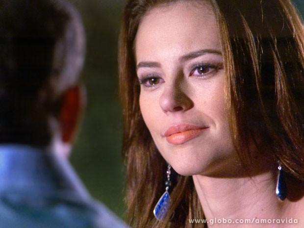 Paloma encontra o apoio do ex-noivo (Foto: Amor à Vida/ TV Globo)