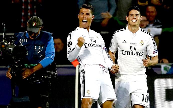 Cristiano Ronaldo e James Rodriguez comemoração Real Madrid x Sevilla (Foto: Reuters)