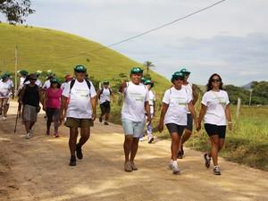 Caminhadas movimentam as localidades por onde passam  (Foto: Juliana Guzzo/Secom Casimiro de Abreu)