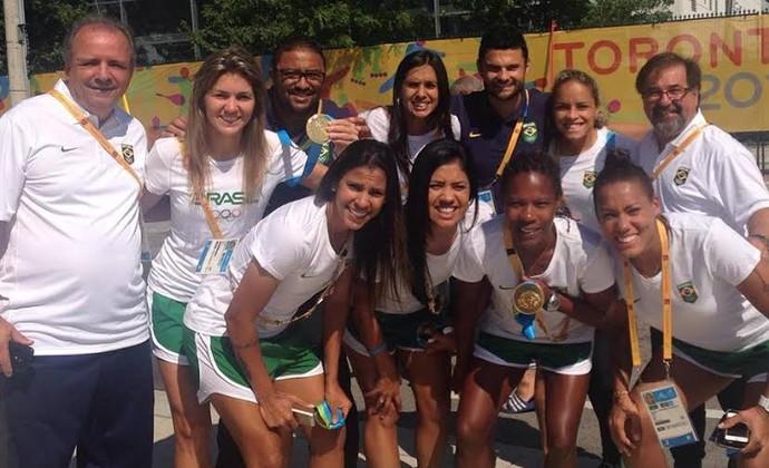 seleção brasileira futebol feminino campeã ouro Pan 2015 (Foto: GloboEsporte.com)