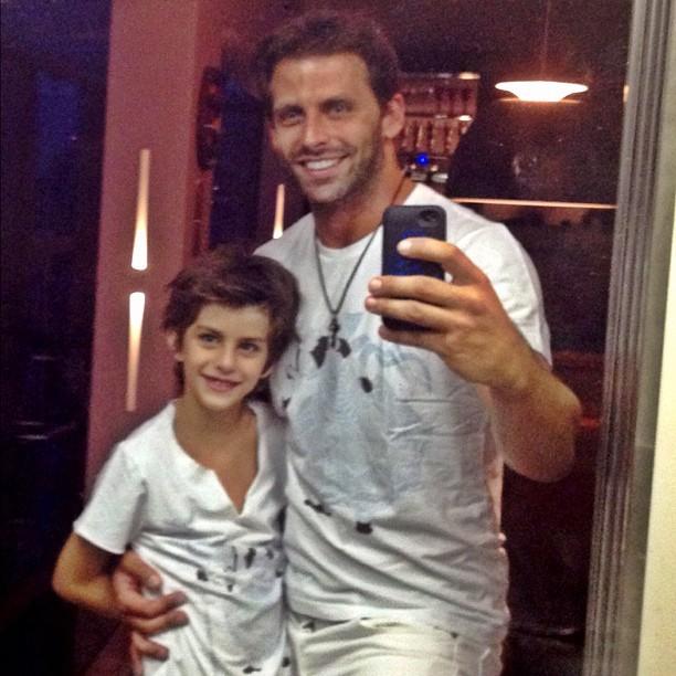 Henri Castelli e filho (Foto: Reprodução/ Instagram)
